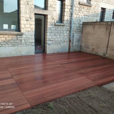 Création d'une terrasse bois avec lame de terrasse en CUMARU sur Argentan.